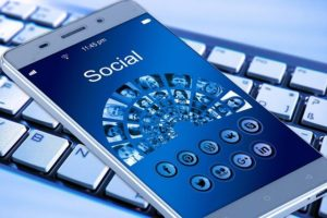 Collegamento incrociato dei profili dei social media